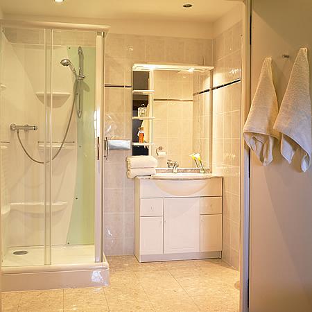 2014-haut-medoc-bathroom